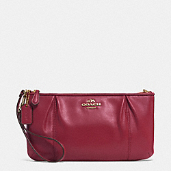 COLETTE LEATHER ZIP TOP WRISTLET - IM/CRIMSON - COACH F52153