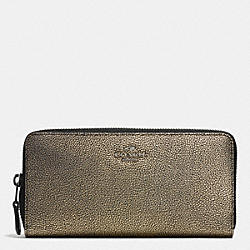 COACH ACCORDION ZIP WALLET IN METALLIC LEATHER - VA/BRASS - F52338