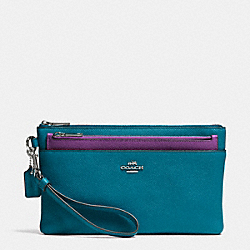 LARGE WRISTLET WITH POP-UP POUCH IN EMBOSSED TEXTURED LEATHER - SILVER/TEAL - COACH F52468