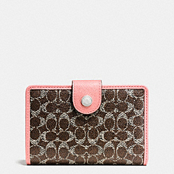 COACH MEDIUM CORNER ZIP WALLET IN SIGNATURE - SILVER/BROWN/PINK - F52552