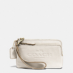 COACH DOUBLE CORNER ZIP WRISTLET IN PEBBLE LEATHER - LIGHT GOLD/CHALK - F52556