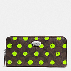 ACCORDION ZIP WALLET IN DOT PRINT SIGNATURE CANVAS - f52578 - SILVER/BROWN/NEON YELLOW