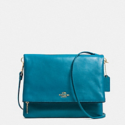 FOLDOVER CROSSBODY IN LEATHER - f52606 - LIGHT GOLD/TEAL