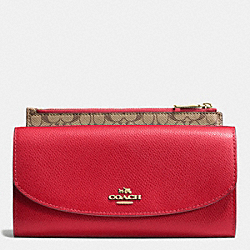 COACH POP SLIM ENVELOPE IN CROSSGRAIN LEATHER - IMITATION GOLD/CLASSIC RED - F52628