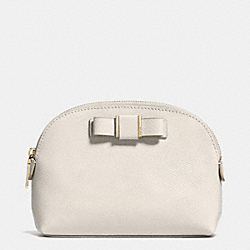 COACH SMALL COSMETIC CASE WITH BOW IN CROSSGRAIN LEATHER - LIGHT GOLD/CHALK - F52630