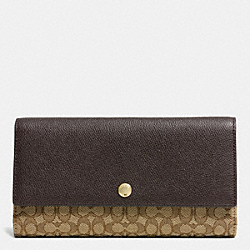 COACH CHECKBOOK WALLET IN SIGNATURE - LIGHT GOLD/KHAKI/BROWN - F52637