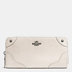 MICKIE ACCORDION ZIP WALLET IN GRAIN LEATHER - QB/CHALK - COACH F52645