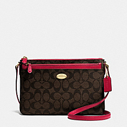 COACH EAST/WEST POP CROSSBODY IN SIGNATURE - IMITATION GOLD/BROW TRUE RED - F52657