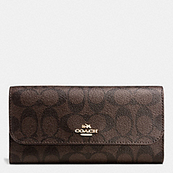 COACH CHECKBOOK WALLET IN SIGNATURE - IMITATION GOLD/BROWN/FUCHSIA - F52681