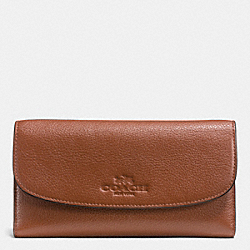 PEBBLE LEATHER CHECKBOOK WALLET - f52715 - LIGHT GOLD/SADDLE