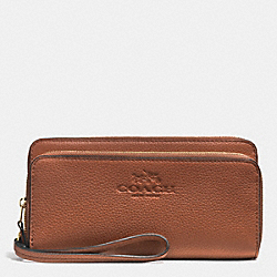 PEBBLE LEATHER WITH DOUBLE ACCORDIAN ZIP WALLET - f52718 - LIGHT GOLD/SADDLE