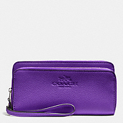 COACH DOUBLE ACCORDIAN ZIP WALLET IN PEBBLE LEATHER - SILVER/PURPLE IRIS - F52718