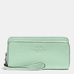 DOUBLE ACCORDION ZIP WALLET IN PEBBLE LEATHER - SILVER/SEAGLASS - COACH F52718