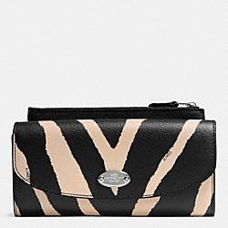 COACH POP SLIM ENVELOPE WALLET IN ZEBRA PRINT CANVAS - SILVER/BLACK MULTI - F52739