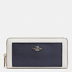COACH ACCORDION ZIP WALLET IN BICOLOR CROSSGRAIN LEATHER - LIGHT GOLD/MIDNIGHT/CHALK - F52756