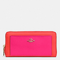 COACH ACCORDION ZIP WALLET IN BICOLOR CROSSGRAIN LEATHER - LIGHT GOLD/CARDINAL/PINK RUBY - F52756
