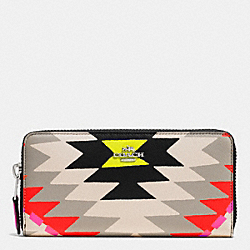 COACH ACCORDION ZIP WALLET IN PRINTED CROSSGRAIN LEATHER - SVE2M - F52777
