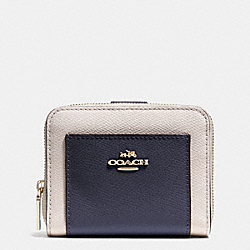 COACH MEDIUM ZIP AROUND WALLET IN BICOLOR CROSSGRAIN LEATHER - LIGHT GOLD/MIDNIGHT/CHALK - F52846