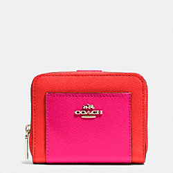 COACH MEDIUM ZIP AROUND WALLET IN BICOLOR CROSSGRAIN LEATHER - LIGHT GOLD/CARDINAL/PINK RUBY - F52846