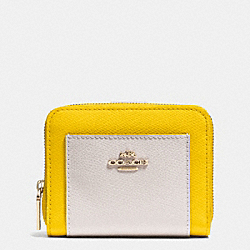 COACH MEDIUM ZIP AROUND WALLET IN BICOLOR CROSSGRAIN LEATHER - LIGHT GOLD/YELLOW/CHALK - F52846