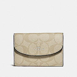 KEY CASE IN SIGNATURE CANVAS - SILVER/LIGHT KHAKI/POOL - COACH F52852
