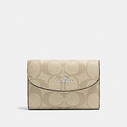 KEY CASE IN SIGNATURE CANVAS - SILVER/LIGHT KHAKI/AQUAMARINE - COACH F52852