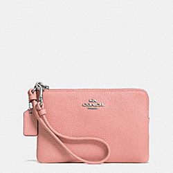 COACH CORNER ZIP WRISTLET IN PEBBLE LEATHER - SILVER/PINK - F52915