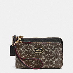 COACH DOUBLE CORNER ZIP WRISTLET IN EMBOSSED SIGNATURE CANVAS - LIGHT GOLD/SADDLE/BLACK - F53010