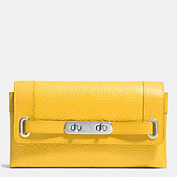 COACH COACH SWAGGER WALLET IN PEBBLE LEATHER - SILVER/CANARY - F53028