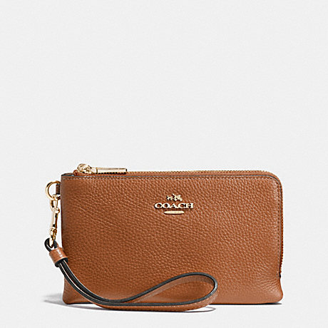 COACH DOUBLE CORNER ZIP WRISTLET IN PEBBLE LEATHER - LIGHT GOLD/SADDLE - f53090