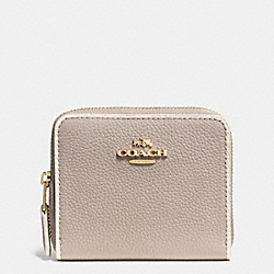 COACH ZIP AROUND COIN CASE IN COLORBLOCK LEATHER - LIGHT GOLD/GREY BIRCH/CHALK - F53302