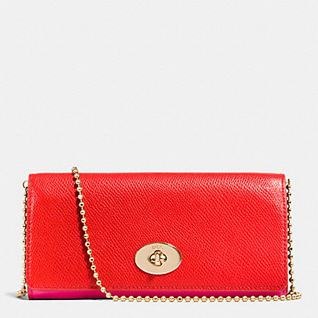 COACH SLIM CHAIN ENVELOPE WALLET IN BICOLOR CROSSGRAIN LEATHER -  LIGHT GOLD/CARDINAL/PINK RUBY - f53308