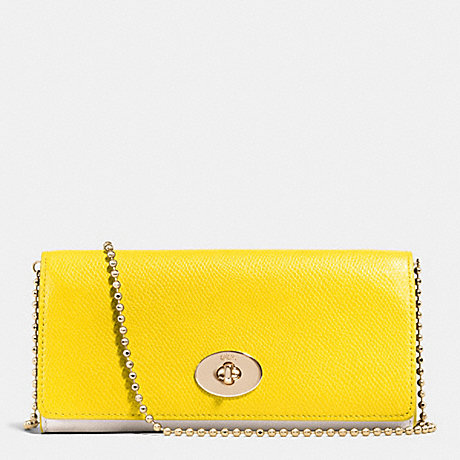 COACH SLIM CHAIN ENVELOPE WALLET IN BICOLOR CROSSGRAIN LEATHER -  LIGHT GOLD/YELLOW/CHALK - f53308