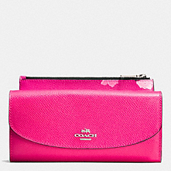 COACH POP SLIM ENVELOPE WALLET IN FLORAL PRINT CANVAS - SILVER/PINK RUBY MULTI - F53313