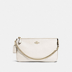 COACH LARGE WRISTLET 19 IN PEBBLE LEATHER - LIGHT GOLD/CHALK - F53340