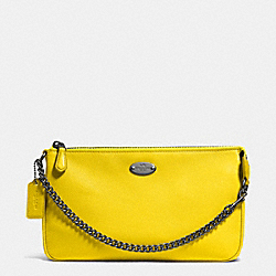COACH LARGE WRISTLET 19 IN PEBBLE LEATHER - QB/YELLOW - F53340