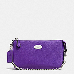 COACH LARGE WRISTLET 19 IN PEBBLE LEATHER - SILVER/PURPLE IRIS - F53340