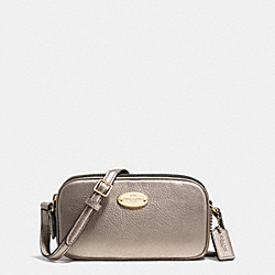 COACH CROSSBODY POUCH IN PEBBLE LEATHER - LIGHT GOLD/METALLIC - F53372