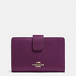 MEDIUM CORNER ZIP WALLET IN CROSSGRAIN LEATHER - IMITATION GOLD/PLUM - COACH F53436