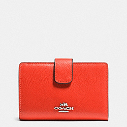 COACH MEDIUM CORNER ZIP WALLET IN CROSSGRAIN LEATHER - SILVER/ORANGE - F53436