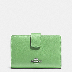 COACH MEDIUM CORNER ZIP WALLET IN CROSSGRAIN LEATHER - SILVER/PISTACHIO - F53436
