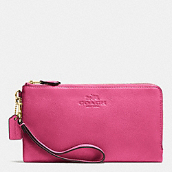 COACH DOUBLE ZIP WALLET IN PEBBLE LEATHER - IMITATION GOLD/DAHLIA - F53561