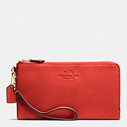 COACH DOUBLE ZIP WALLET IN PEBBLE LEATHER - IMITATION GOLD/CARMINE - F53561