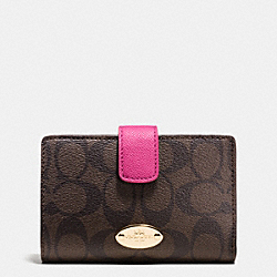 MEDIUM CORNER ZIP WALLET IN SIGNATURE - IME9T - COACH F53562