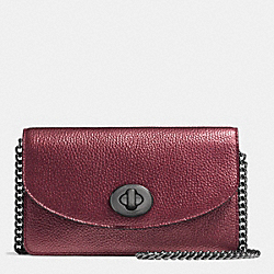 COACH CLUTCH CHAIN WALLET IN METALLIC PEBBLE LEATHER - BLACK ANTIQUE NICKEL/METALLIC CHERRY - F53589