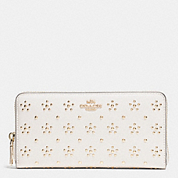COACH ALL OVER STUD ACCORDION ZIP WALLET IN CALF LEATHER - IMITATION GOLD/CHALK - F53638