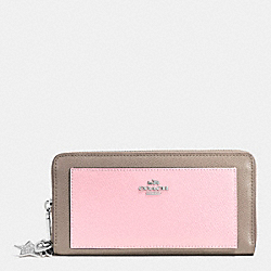 COACH CHARM ACCORDION ZIP WALLET IN CROSSGRAIN LEATHER - SILVER/PETAL MULTI - F53645