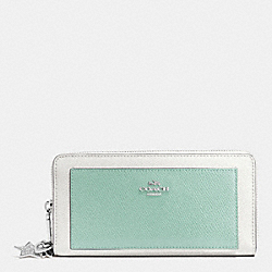 COACH CHARM ACCORDION ZIP WALLET IN CROSSGRAIN LEATHER - SILVER/SEAGLASS MULTI - F53645