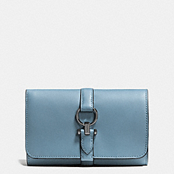 COACH COACH NOMAD MEDIUM WALLET IN GLOVETANNED LEATHER - DARK GUNMETAL/CORNFLOWER - F53714