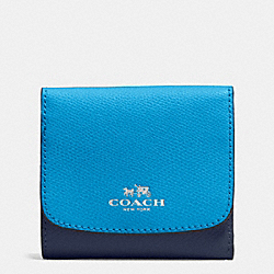 COACH SMALL WALLET IN COLORBLOCK CROSSGRAIN LEATHER - SILVER/AZURE MULTI - F53779